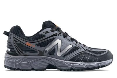 Men's Slip-Resistant Athletic Shoes